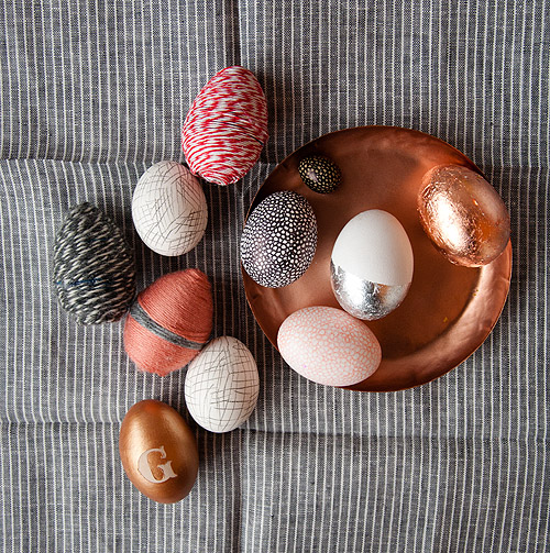 These beautiful DIY easter eggs spotted on the Design Sponge.